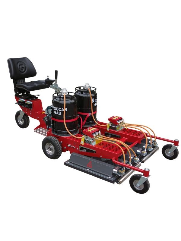 InfraWeeder Master PRO mit Fahrersitz